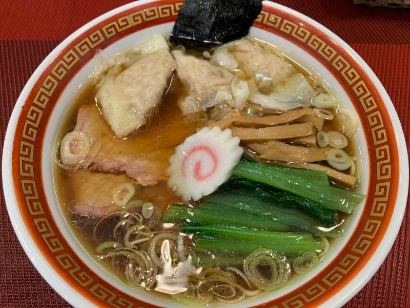 ワンタン麺全体